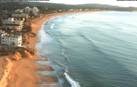 No surf at south narrabeen WRL cam