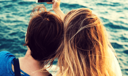 7 Ways Making New Mom Friends Is Just Like Dating