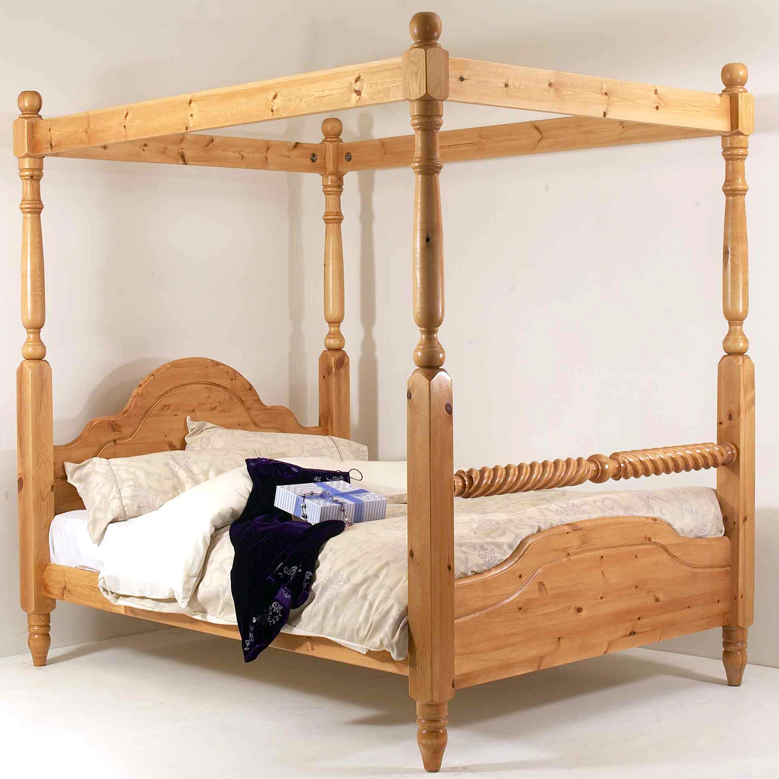 5ft King Size Four Poster Bed Frame Solid Pine Wood Hidden Fittings Barley Twist Ebay