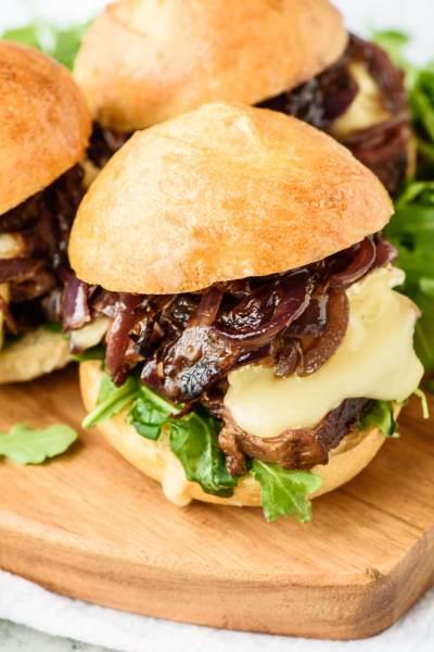 Mini-Steak-Sandwich-Recipe-with-Brie-1