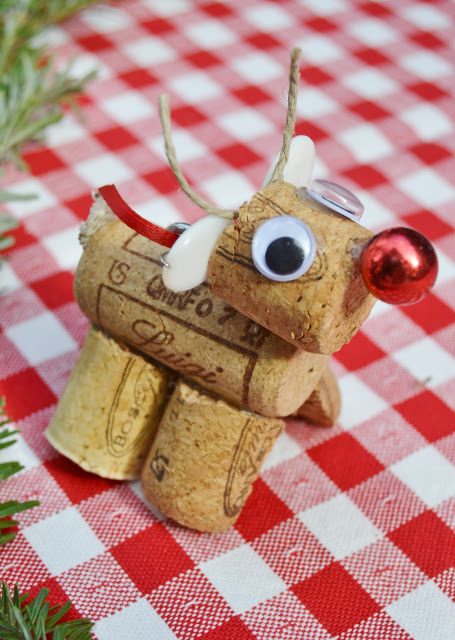 Reindeer Ornament: These creative handmade ornaments will add a special touch to your Christmas tree this season!