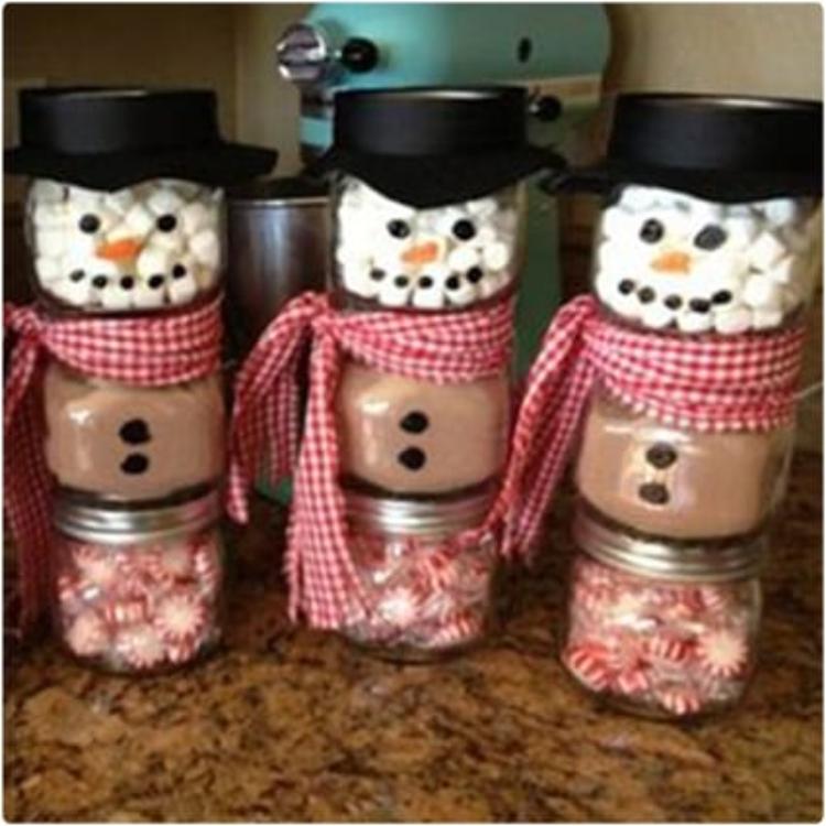 Jarred Christmas Gifts: 21 Homemade Holiday Mason Jar Gifts