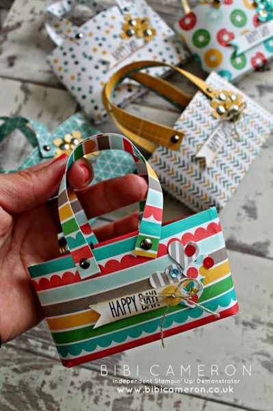 Mini Tote Bag: Gift Cards can sometimes be a boring thing to give but a great thing to receive. So why not spice up the way you give them!