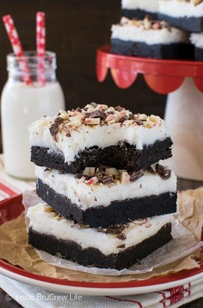 chocolate-peppermint-bark-sugar-cookie-bars-5-1