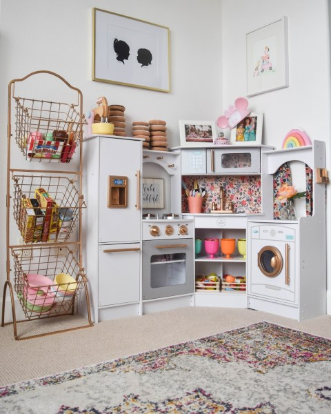 Fabulous Kitchen: 10 Fabulous Play Kitchen Tutorials