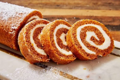 Pumpkin cheese cake roll
