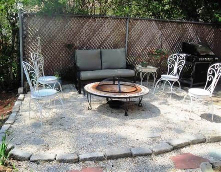 Classy Gravel Fire Pit and Seating Area