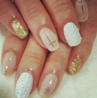 10 Stunning Wedding Day Nails from Rebecca Loves Weddings www.rebeccaanderton.co.uk