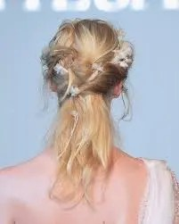 2015 Wedding Trends - Touselled romantic bridal hairstyle from Rebecca Loves Weddings www.rebeccaanderton.co.uk