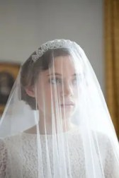 2015 Wedding Trends - Vintage style veil over crown like Grace Kelly from Rebecca Loves Weddings www.rebeccaanderton.co.uk