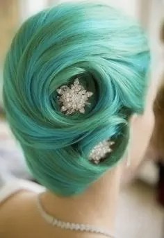 Prom Hair and Makeup Inspiration - Green vintage updo from Rebecca Loves Weddings www.rebeccaanderton.co.uk