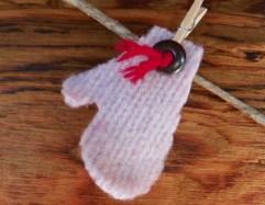 Wool mitten garland