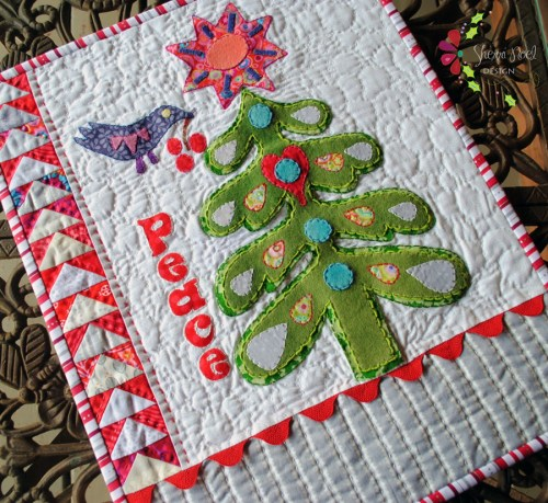 applique christmas tree free mini quilt pattern