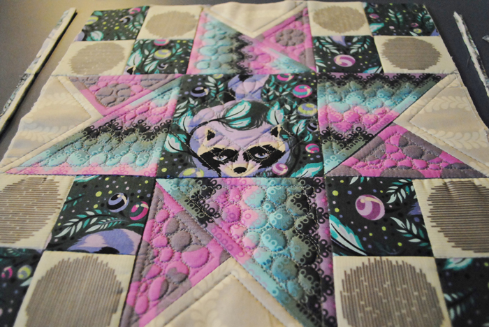 Machine quilting pebbles quilt as you go
