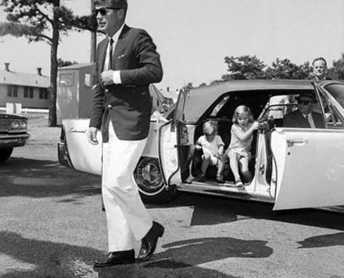 John. F. Kennedy mit Weejuns Pennyloafern von G. H. Bass
