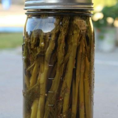 Easy Quick-Pickled Asparagus Recipe