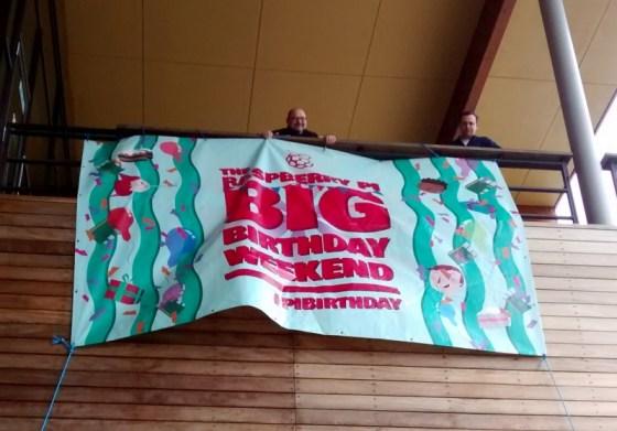 bannerhanging_sm