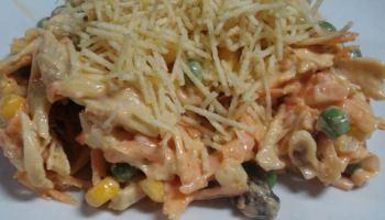 Salada de Frango com Batata Palha