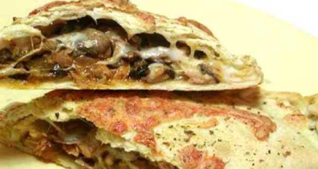 Calzone de atum com queijo mussarela - Pão Fácil com Queijo Reino Tirolez