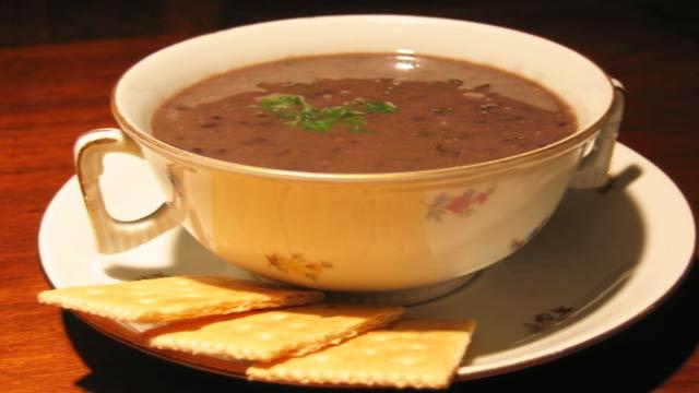 Sopa de Feijão Preto à Moda Mexicana - Sopa de Feijão Preto à Moda Mexicana