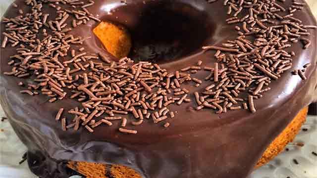 Bolo de Cenoura Com Cobertura de Brigadeiro de Chocolate - Suflê de Laranja e Chocolate com Biscoito Maizena Adria