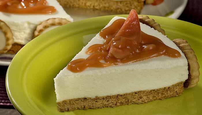Como Fazer Torta Mousse de Queijo com Molho de Goiaba
