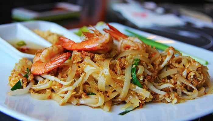 PAAD THAI – Talharim de Arroz Com Frango