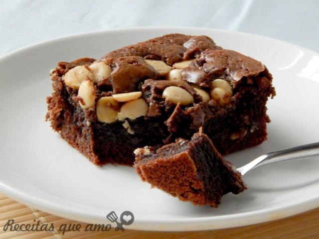 Brownie com chocolate branco