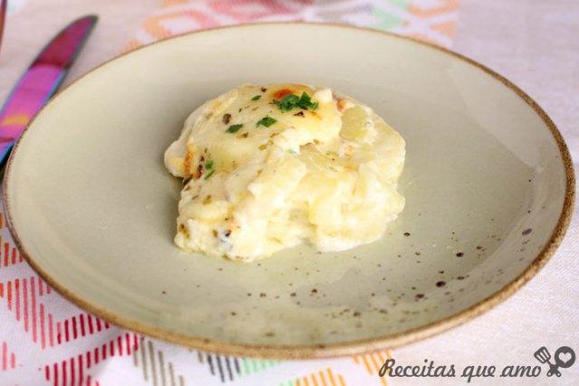 Batata gratinada com requeijão