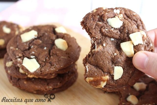 Cookie 2 chocolates