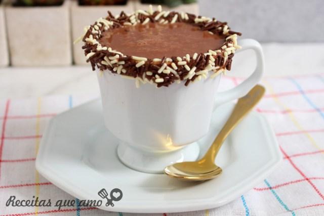 Chocolate quente de brigadeiro