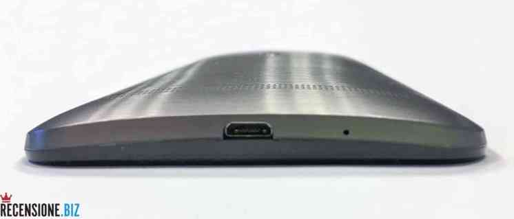 Asus Zenfone 2 ZE551ML dettaglio inferiore