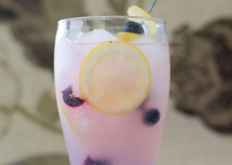 bosbessen-limonade