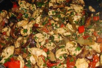 Salteado de Pollo y Hongos Shiitake