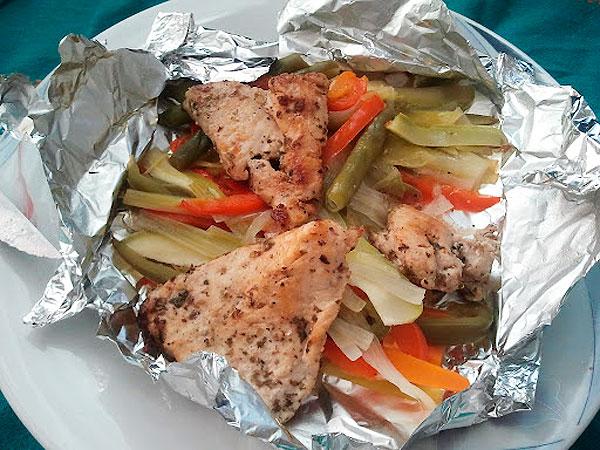 Pollo con verduras en papillote  Receta fcil paso a paso