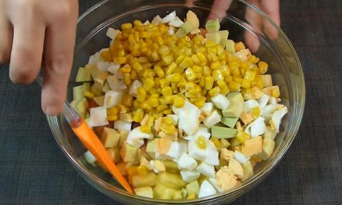 Mezclamos la ensalada