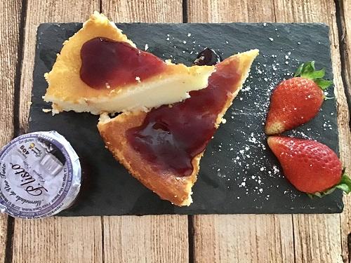 Tarta de queso al horno con mermelada