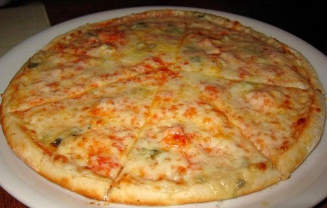 Pizza 4 quesos Thermomix  Receta casera de masa y relleno