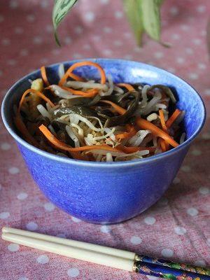 Salade chinoise au chou et pousses de soja  Recette Chinoise  Cuisine de la Chine