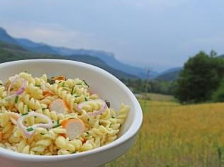 SALADE DE pate surimi capres sauce yaourt citron ciboulette (1)
