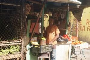 marchand de légumes à St Domingue Souvenir de Martinique © par Fanny GRW - Recettes d'ici et d'ailleurs