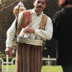 Livreur de thé à la pomme devant la Mosquée Bleue à Istanbul © Balico & co