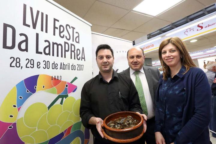 El Concello de Arbo presenta en el mercado de Teis su 'LVII Festa da Lamprea'