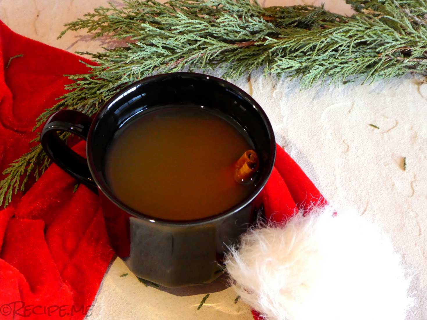 Non-Alcoholic Homemade Apple Cider