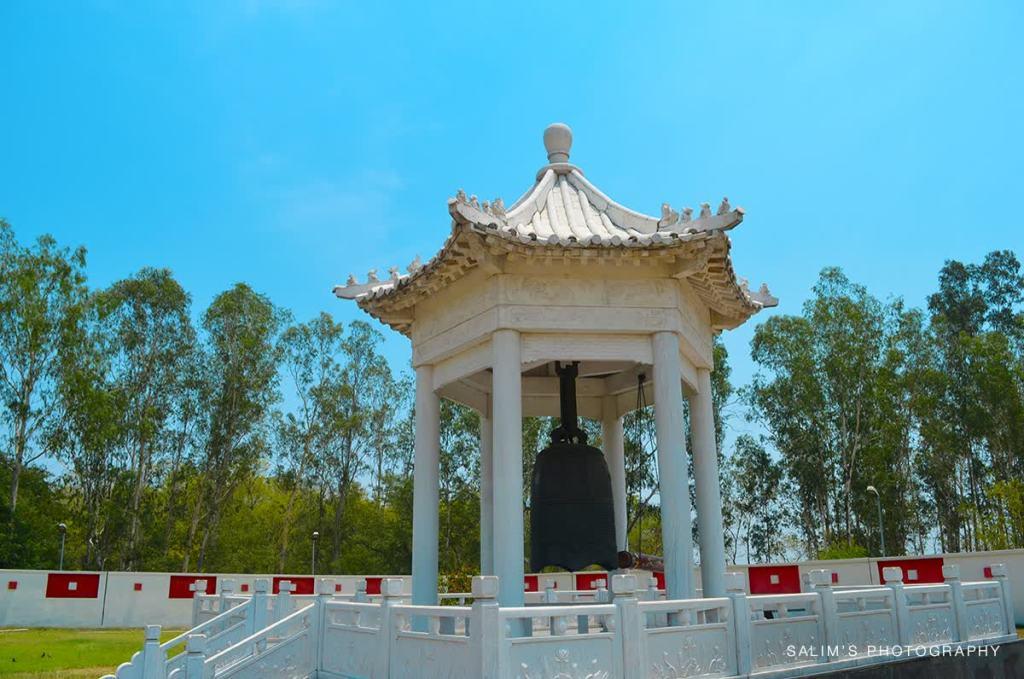 Bell at Hiuen Tsang memorial hall Photo Credit: salim ansari via Compfight cc