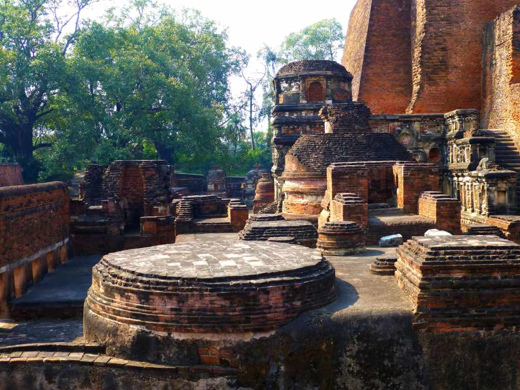 Votive stupas near Sariputra's temple Photo Credit: Anandajoti via Compfight cc