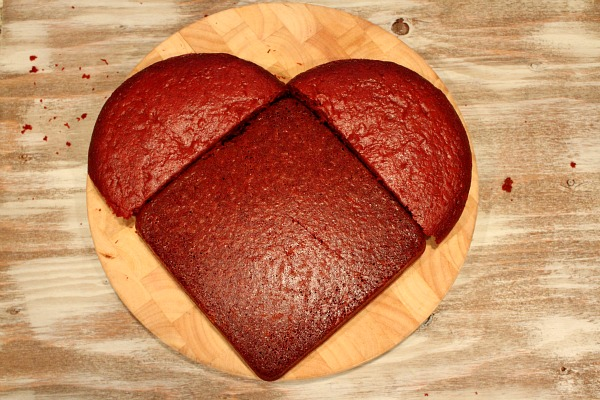 How To Make A Heart Shaped Cake RecipeBoy