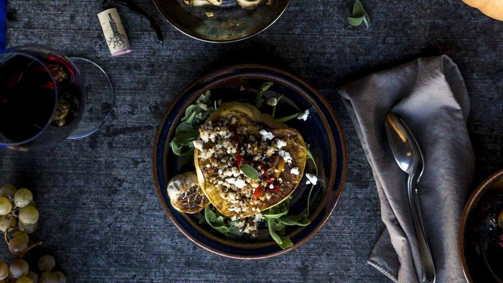 Simple Vegetarian Stuffed Acorn Squash