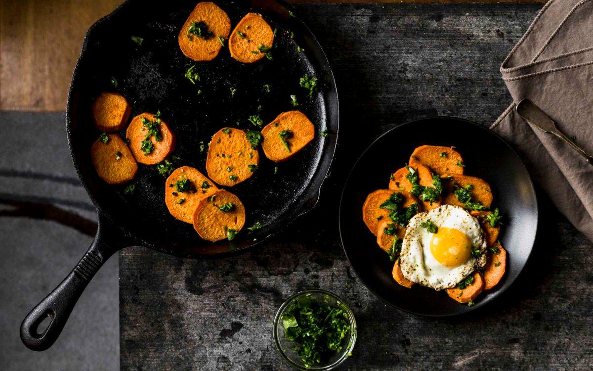 spicy sweet potatoes w/cilantro sauce