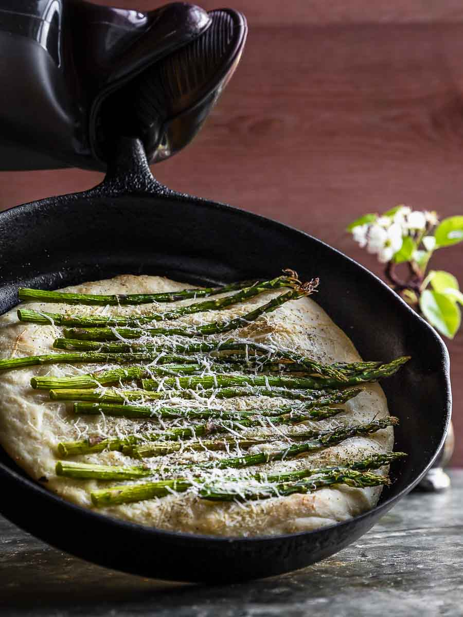 Easy Asparagus Flatbread in cast iron, straight from the oven